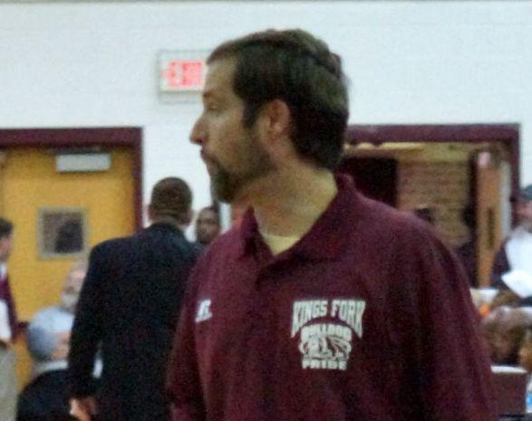 worrell trở thành huấn luyện viên bóng rổ