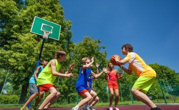 các trường tổ chức trại bóng rổ hè