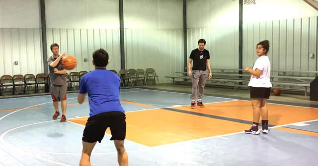 whitlock-mang-tinh-yeu-den-bong-ro